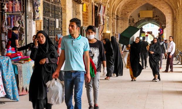 Tehran shoppers